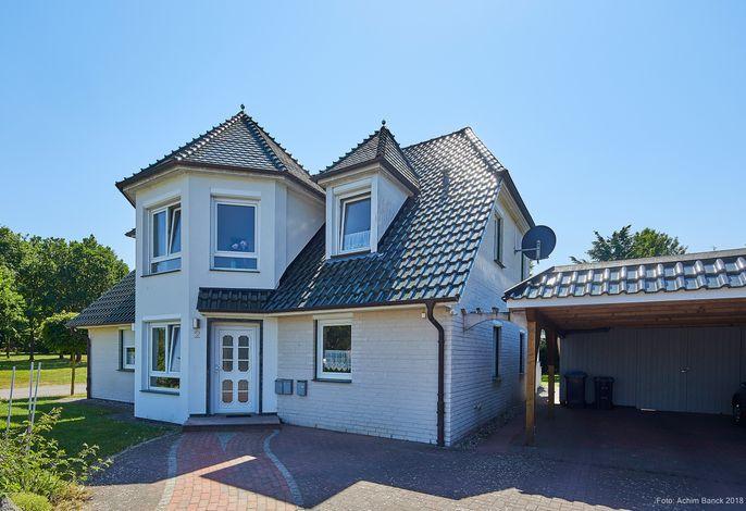Ruhiger Wohntraum nahe Einfelder See -Ferienwohnung Waldeck