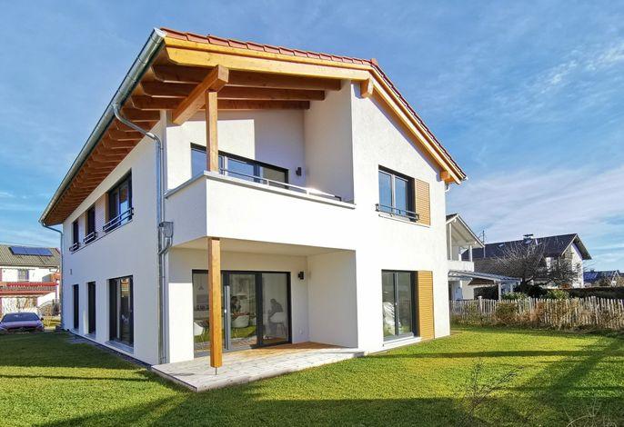 Chalethaus-Chiemsee - 148qm Garten-Chaletwohnung am Chiemsee - Neubau