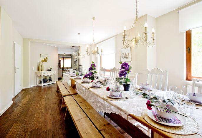 Tolles Ferienhaus für 16 Personen im Westerwald mit Sauna, Whirlpool, Kino und Bar