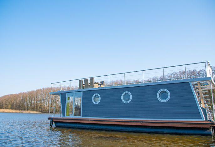Schwimmendes Ferienhaus Emma mit großzügiger Dachterrasse