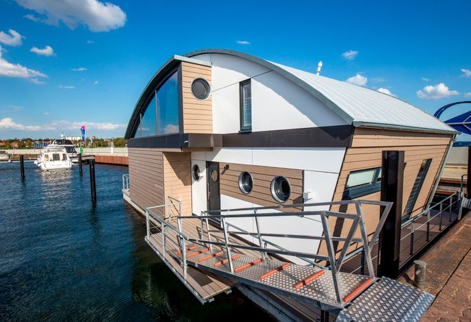 KYST 54°10 Floating Home 2