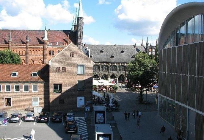 Rathausmarkt 2