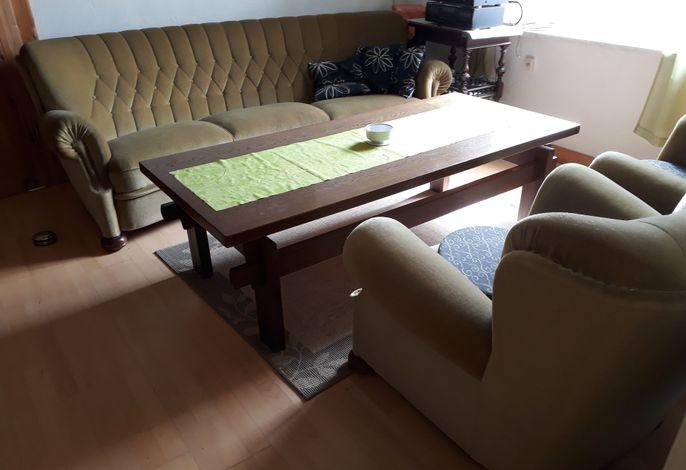 Ferienwohnung und Gästezimmer im Gutshaus Alt-Krassow