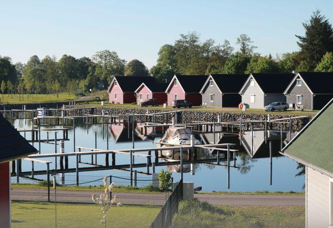 Skandinavisches Ferienhaus 2. Reihe zum Wasser für 6 Personen