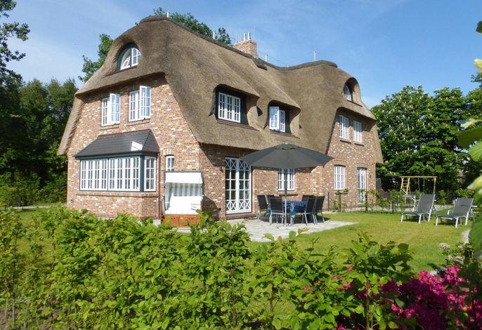 Schönes Reetdachhaus in Borgsum - Urlaub auf Föhr Land.