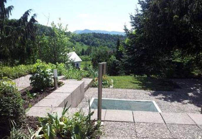 Terasse 1/  Ausblick zur Süd-Seite mit Garten 3000m²