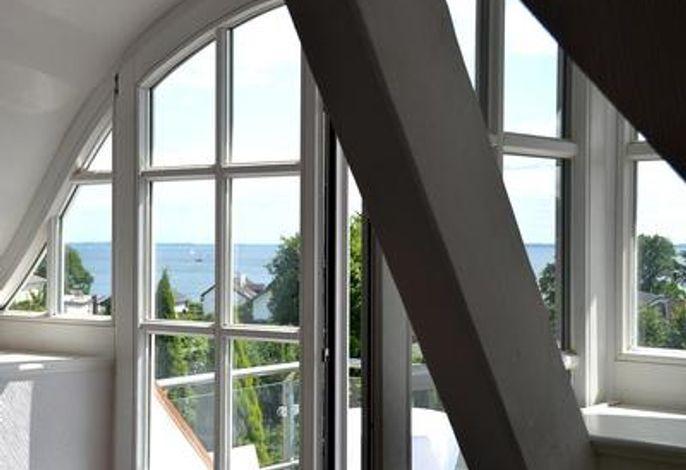 Blick auf die Dachterrasse und die Ostsee