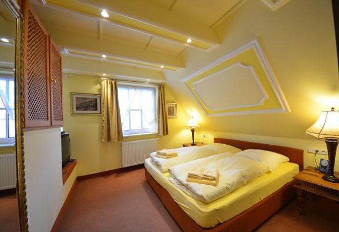 17 B Kirchhaus Schlafzimmer im OG