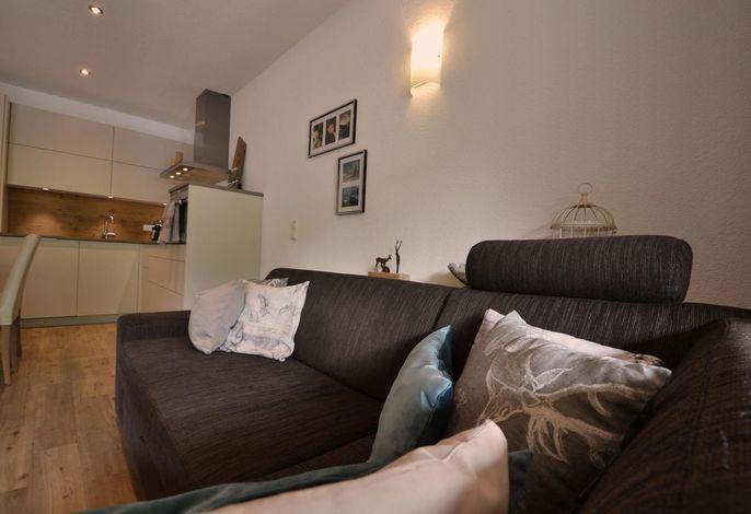 Wohnzimmer mit Blick zur Kücke