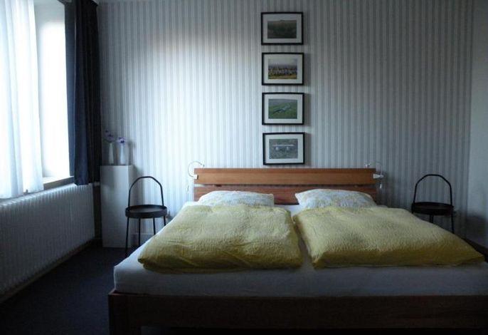 Neu renoviertes Schlafzimmer###br###hoher Komfort - modernes Design