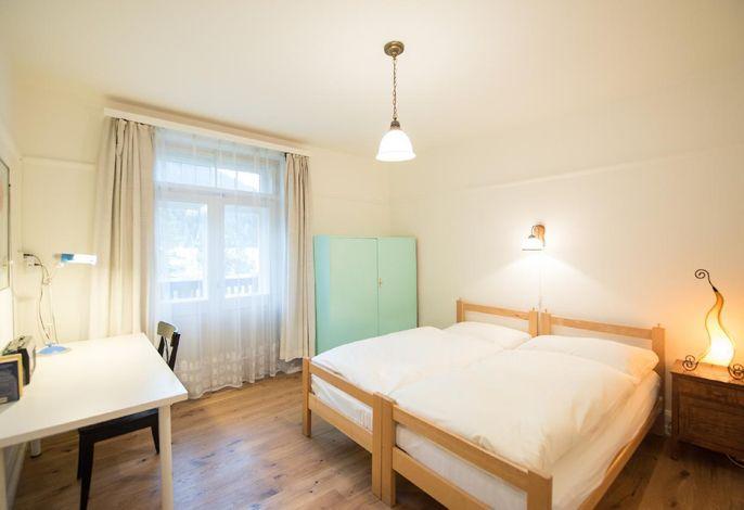 Schlafzimmer 1 (2 Betten 0,90m x 1,90m)
