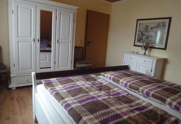 Schlafzimmer (Doppel)