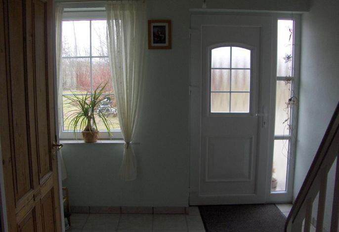 Eingangsbereich mit Treppe nach oben