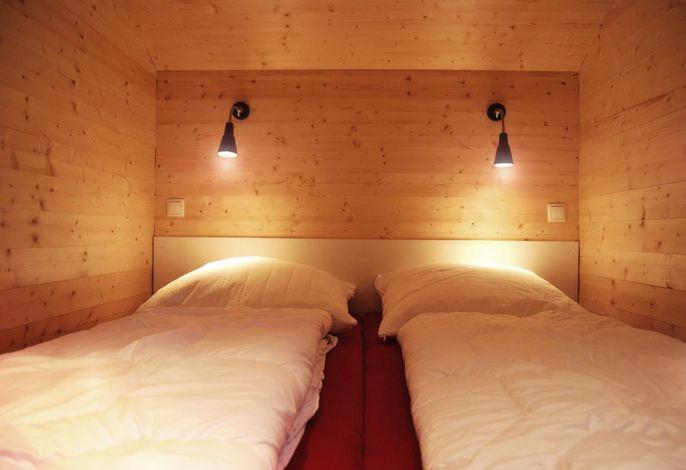 Mein Ostseeferienhaus - Ferienhaus an der Ostsee in Zierow / 1. Schlafzimmer mit Doppelbett (Einstieg Fußende!)