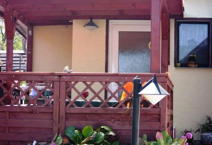 Außenansicht des Gebäudes. Ferienhaus 2 mit 1 getr. Schlafzimmer