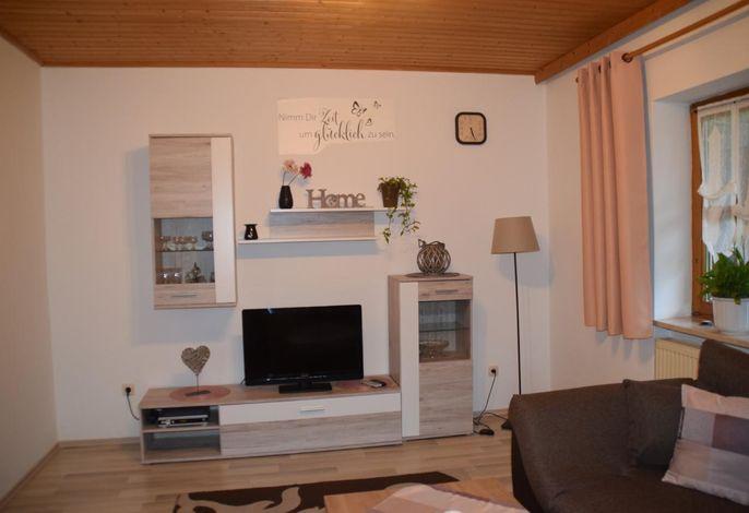 Wohnzimmer mit Flachbild TV
