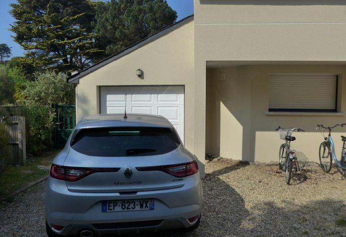 Parking privatif devant la maison