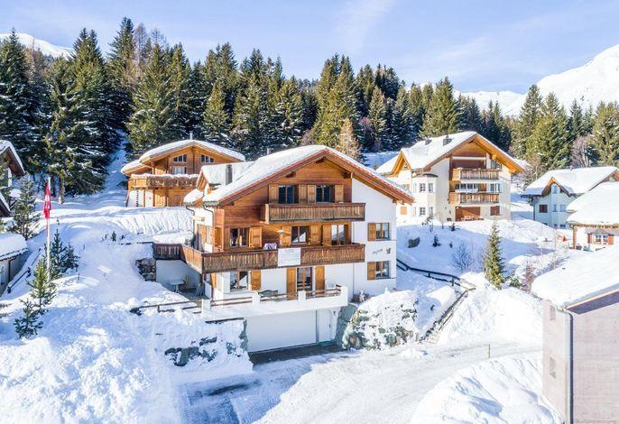 Ferienhaus (Ski In/Out) sowie Aussenparkplätze