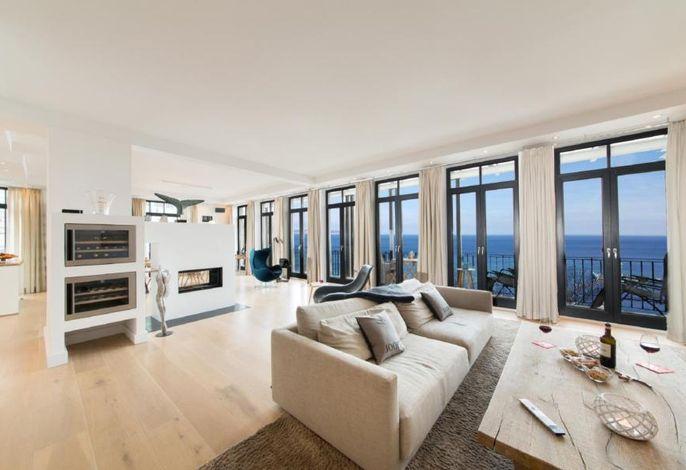 Wohnbereich mit traumhaftem 180 Grad Panoramameerblick