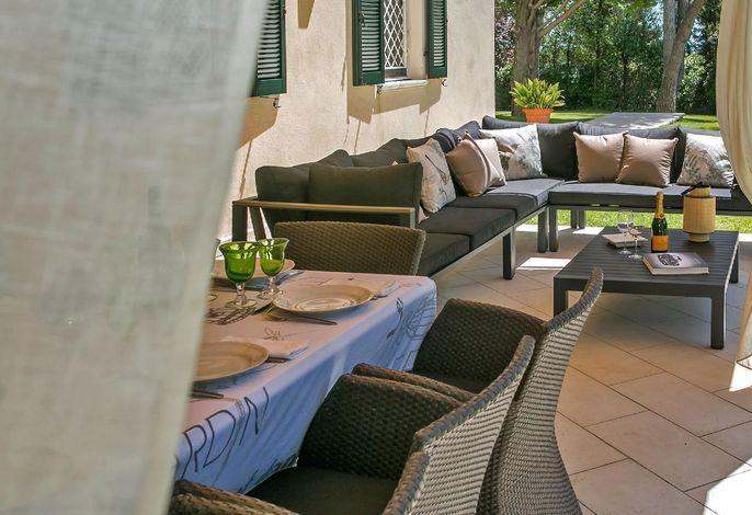 Villa Nobile - Pergola mit direktem Zugang zur Küche