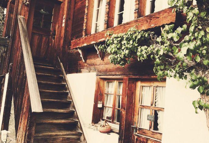 Treppe zur unteren Wohnung