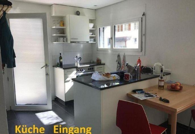 Küche_mit_Eingang