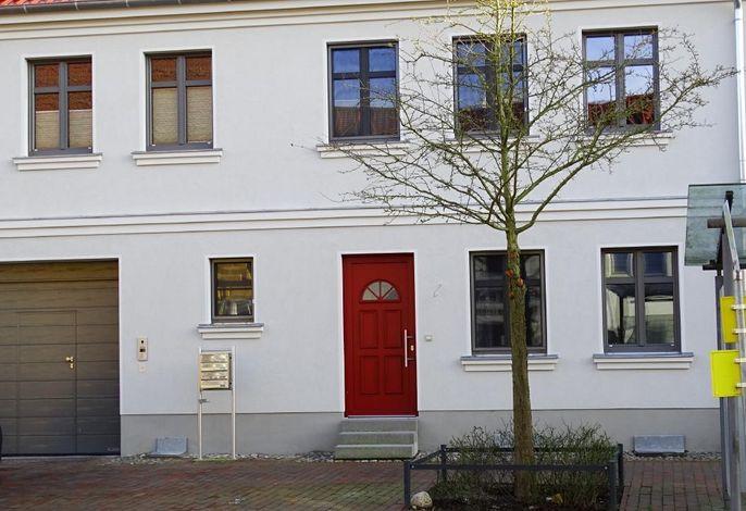 Ferienhaus mit 2 Ferienwohnungen in der Innenstadt von Röbel mit Wasseranschluss