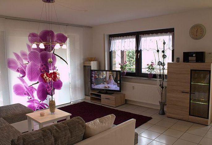 Ferienwohnung Seeblick, Wohnraum mit grossem HD TV