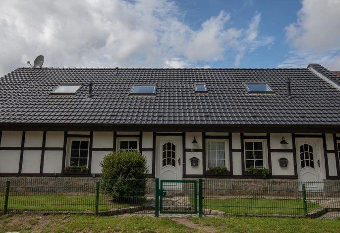 Ferienhaus von der Schlossstrasse aus