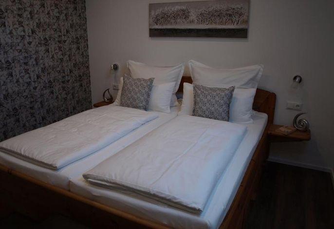 Doppelschlafzimmer###br###(Bett 1,80 x 2,00)