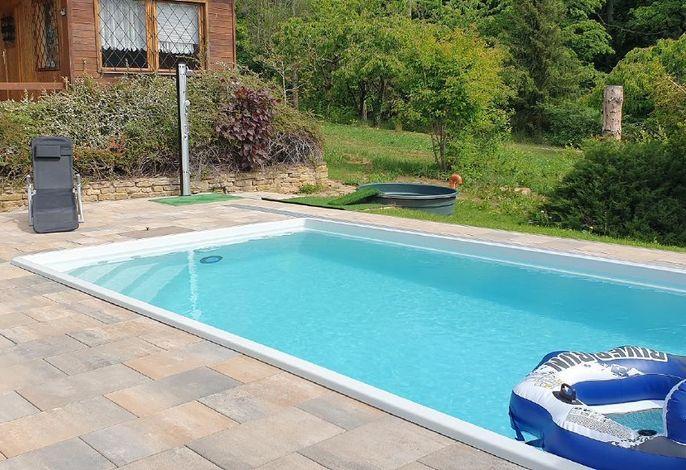 beheizter Pool (4 x 7,50 x 1,50 m), mit Gegenstromanlage