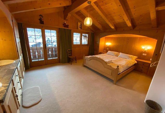 Schlafzimmer 1, mit Badezimmer