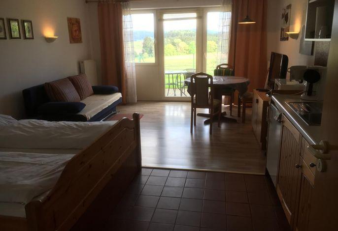 Schlaf/Wohnbereich mit herrlichen Blick auf die Bayer. Berge