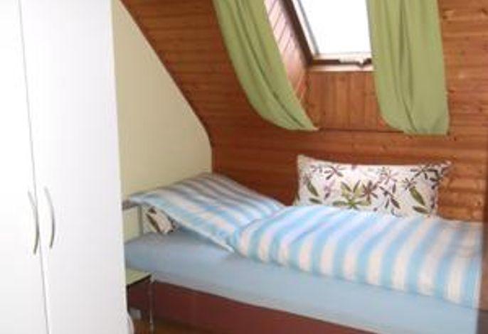 Einzelzimmer m. Bettkasten###br###1 m x 2 m