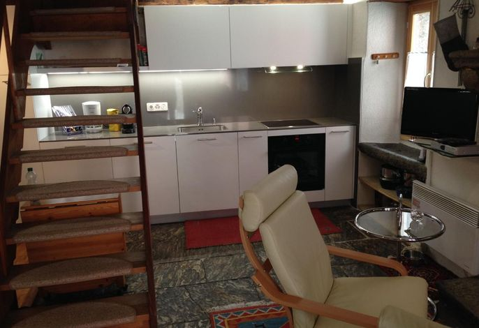 Blick vom Eingang und Küche