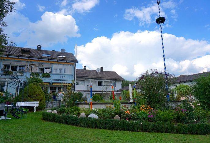 Haus Außenansicht, Gemeinschaftsgarten