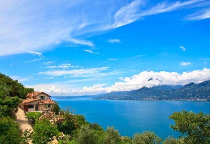 Einzigartiger Panoramablick auf den Gardasee