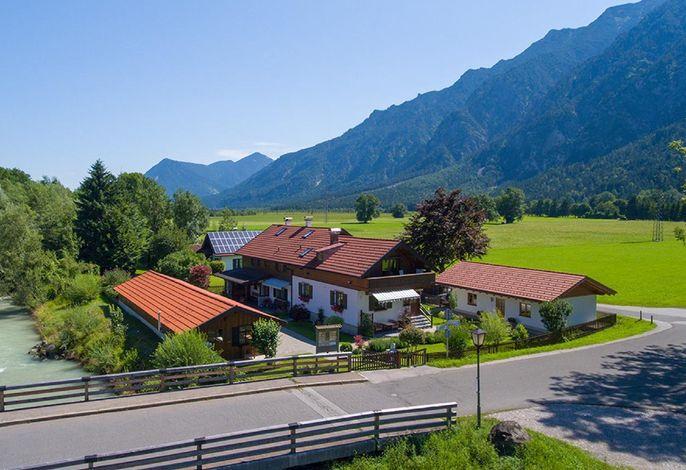 Das Ferienhaus Hofer mit freien Blick in das Zugspitzland