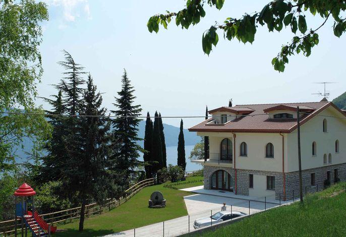 Ferienwohnung mit Blick auf den Gardasee