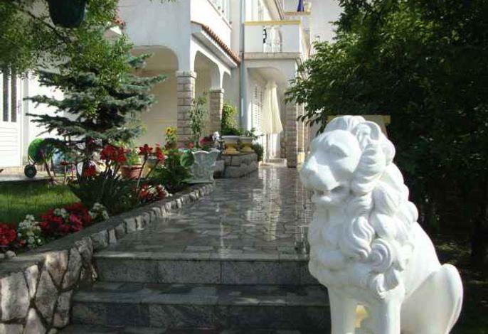 Ferienwohnung mit Grill und großer Terrasse