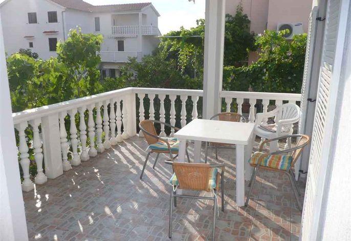 Ferienwohnung mit SAT-TV und Terrasse