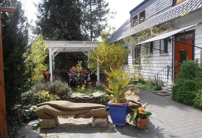 Ferienwohnung mit Garten, Terrasse und Grill