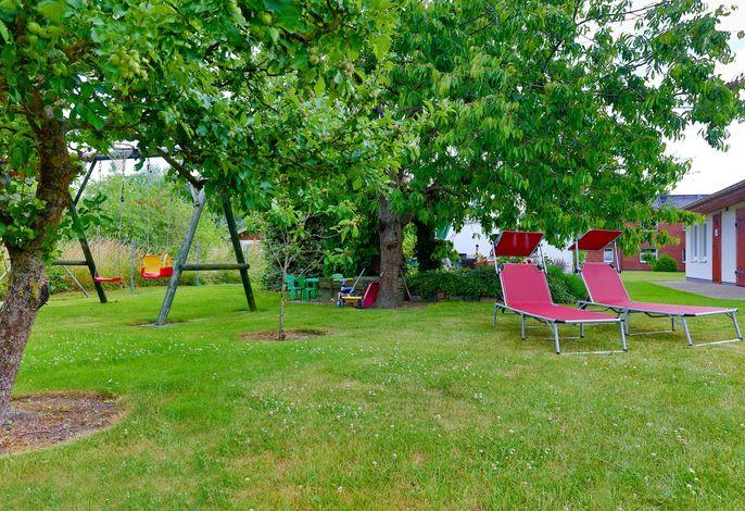 Ferienhaus mit Grillterrasse und Garten