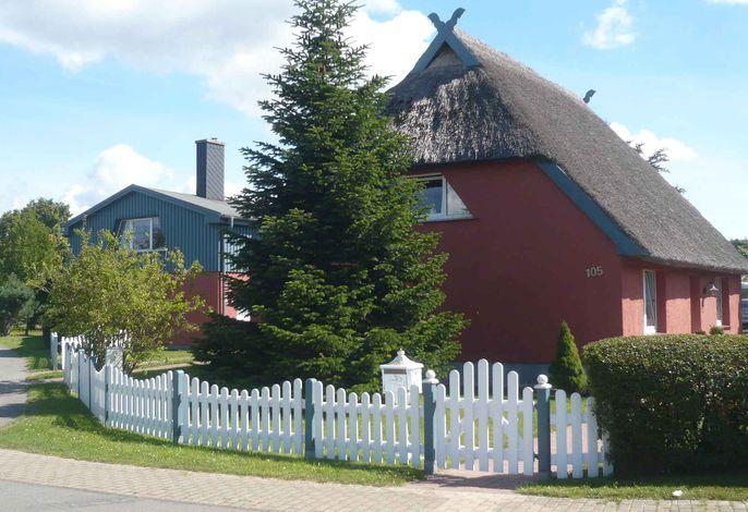 Ferienwohnung mit Terrasse und Kinderspielplatz