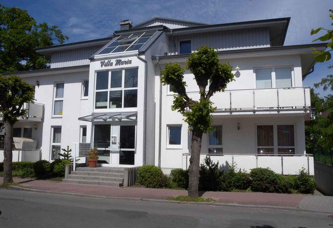 Ferienwohnung mit Balkon, nur 50 m zum Ostseestrand