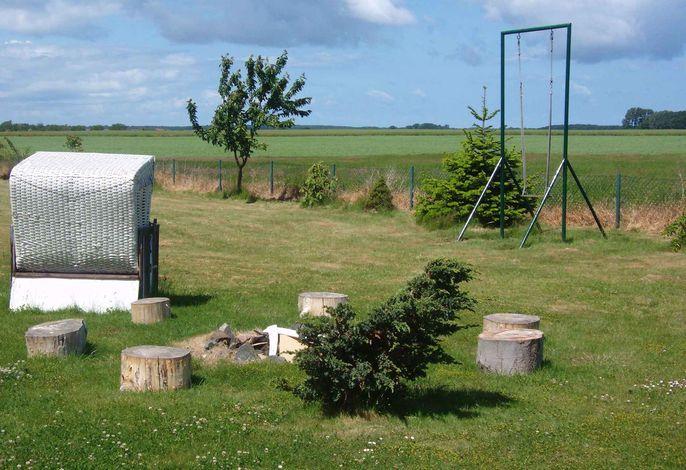 Ferienwohnung mit großem Garten und Lagerfeuerplatz