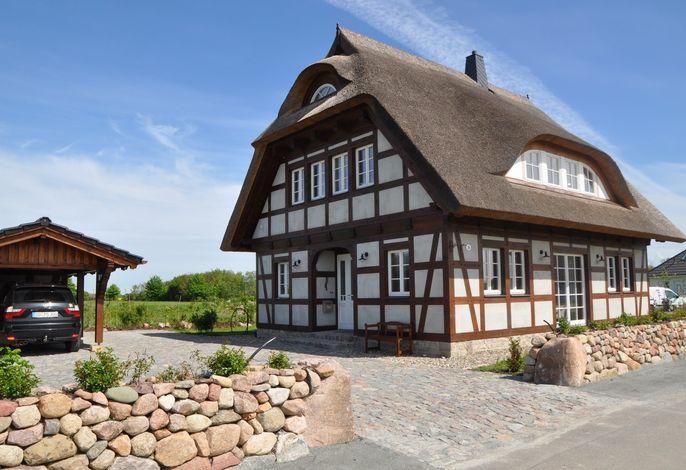 Ferienhaus mit Garten und Sauna