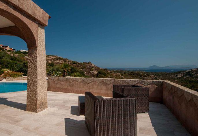 Ferienhaus mit Klimaanlage, Pool und Meerblick