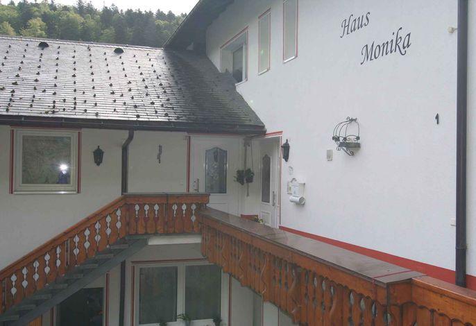 Ferienwohnung mit Balkon im typischen Landesstyl