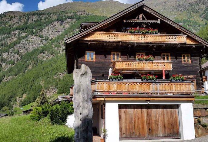 Studio in einem 300 Jahre alten Holzhaus